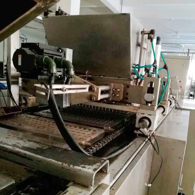 Who Manufacturs Diamond Grid Loc Tiles: Automatic Chocolate Making Machine Manufacturers, Small